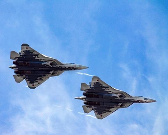 Минобороны опубликовало кадры посадки Су-34 и  Ан-26 на строящуюся автомагистраль
