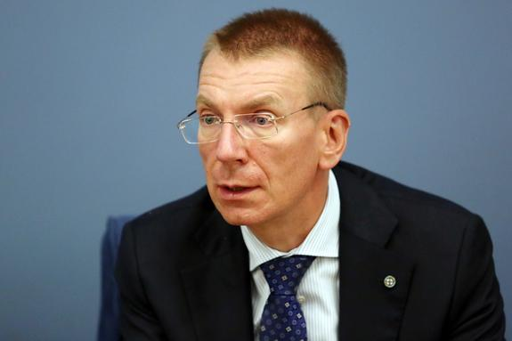 Главе МИД Латвии напомнили о его советском прошлом