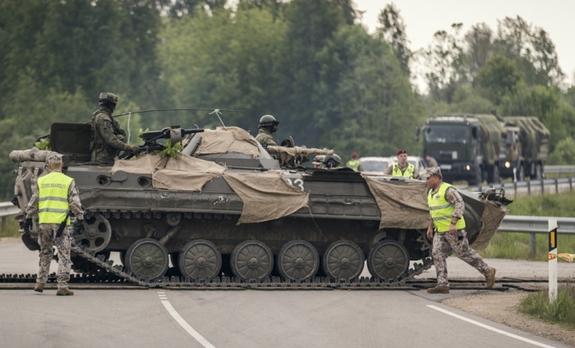 Министр обороны Эстонии: Необходимо проводить в Балтии учения союзников