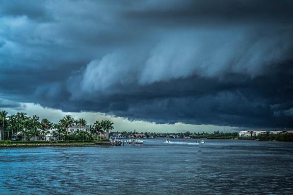 """В Тихом океане набирает силу ураган """"Жульет"""""""