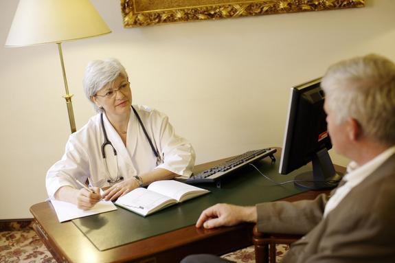 Самые очевидные симптомы появления злокачественной опухоли перечислили врачи