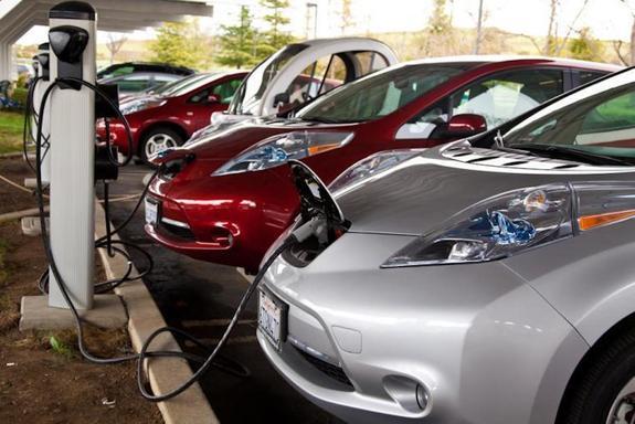 Владельцев электромобилей освободят от транспортного налога