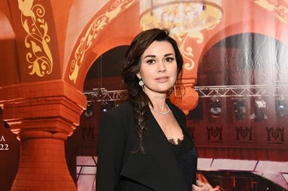 Директор Анастасии Заворотнюк огласил просьбу   актрисы прекратить спекуляции вокруг ее здоровья