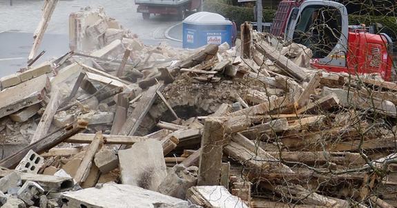 Строящаяся гостиница обрушилась на рабочих в Новом Орлеане