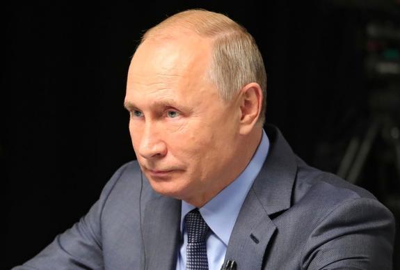 Путин вновь вынужден был слушать исковерканный гимн России, теперь в ОАЭ