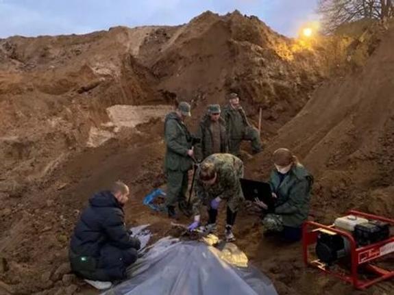 Рыли 12 дней, перелопатили 2 тысячи кв. метров. В Подмосковье нашли тела директора Племзавода и троих членов ее семьи