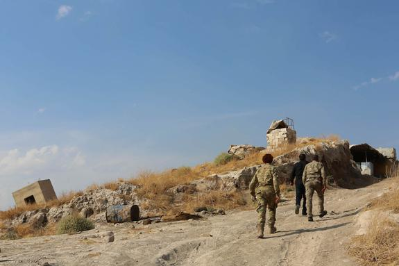 Власти Турции объявили о приостановке операции в Сирии