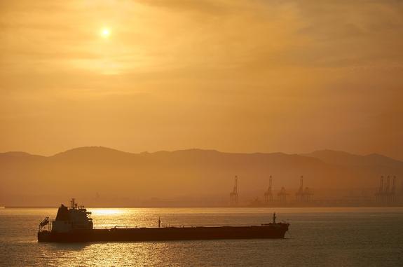"""""""Разорвало, как консервную банку"""", - очевидцы рассказали о взрыве на танкере в Находке"""