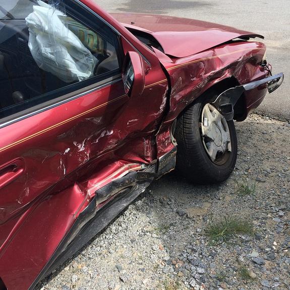 В Подмосковье столкнулись машины  BMW и Chevrolet, в результате ДТП  погибли 2 человека