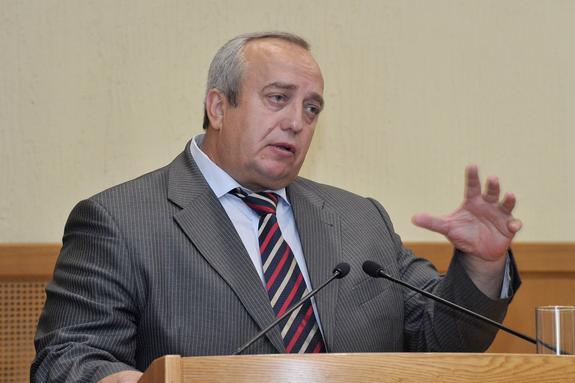 Франц Клинцевич поздравил сенатора Николая Журавлева с высоким назначением