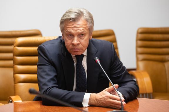 Пушков оценил слова Макрона о сценариях внешнеполитического развития России