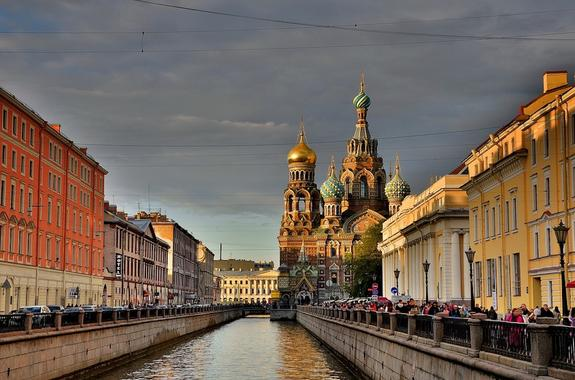 Московское тепло идет в Санкт-Петербург