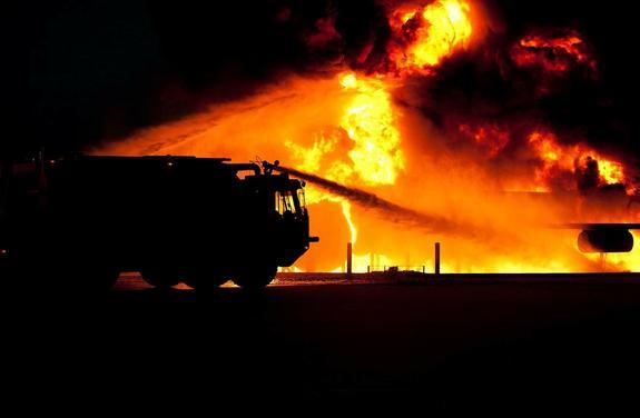 Названа причина пожара с 13 микроавтобусами в Подмосковье