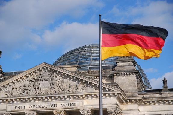 """Бундестаг принял законопроект, который защищает """"Северный поток – 2"""" от директивы ЕС"""