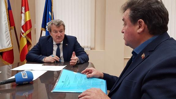 Южноуральцы пожаловались депутату Госдумы на благоустройство и транспорт
