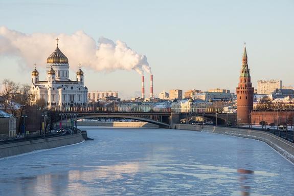 Москвичей предупредили о понижении температуры в воскресенье