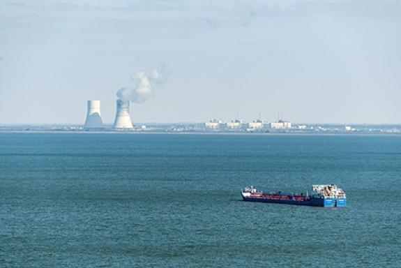 Нефтеналивной танкер поврежден при столкновении с  сухогрузом  в акватории Дона