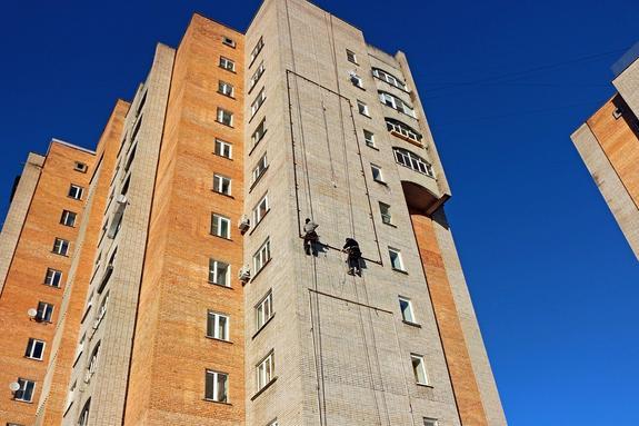 Петербург:школьница получила тяжелые травмы после падения с 14-го этажа