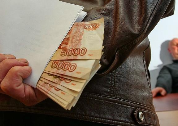Пляски вокруг взятки, или Почему заурядное дело о грабеже тянется два года