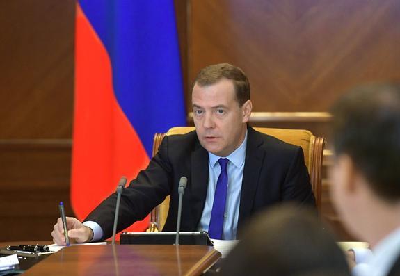 Медведев напомнил о долге Украины в 3 млрд дол. и призвал соблюдать свои обязательства по транзиту