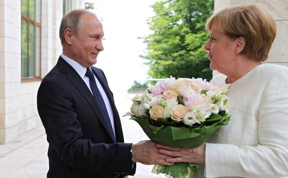Владимир Путин провел встречу с Ангелой Меркель