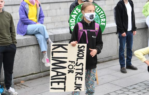 Грета Тунберг возглавила молодежные протесты