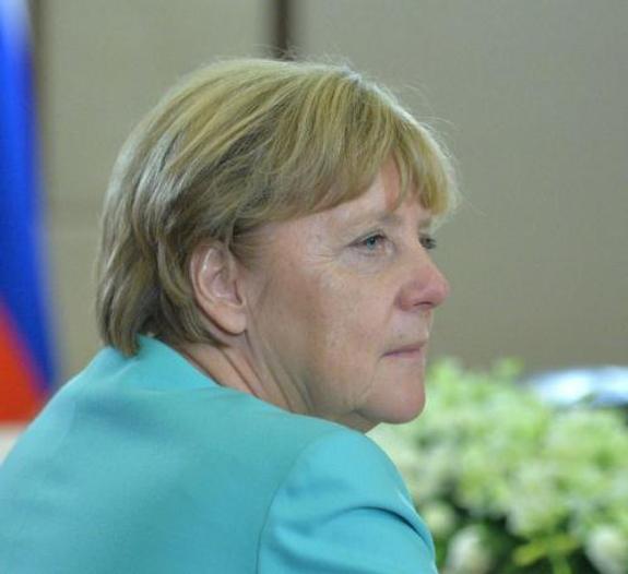 Ангела Меркель послала беженцев в деревню