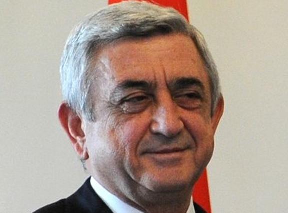 За три часа явка на парламентских выборах в Армении составила более 13%