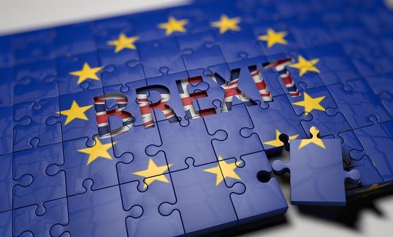 После Brexit британские паспорта вернут прежний цвет