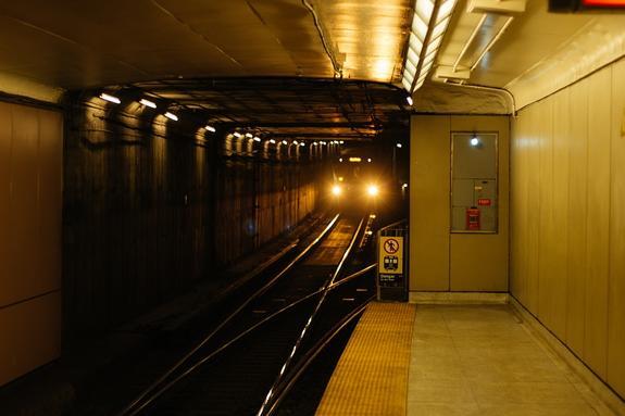 Из-за подозрительного предмета была закрыта станция метро в Санкт-Петербурге