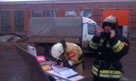 В Иванове при тушении крупного пожара пропали 2  огнеборца, не выходят на связь