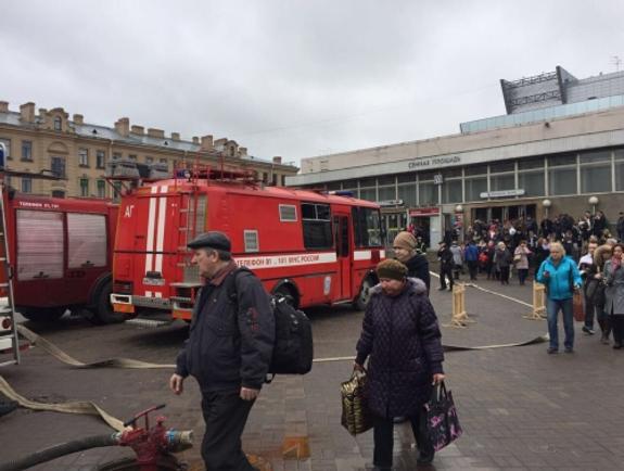 Предполагаемый организатор взрывов в Питере  попал на камеры наблюдения (ФОТО)