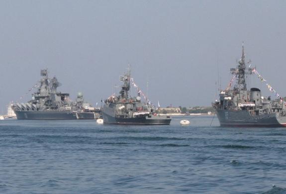 К поиску пропавшего на Камчатке катера подключились корабли Тихоокеанского флота