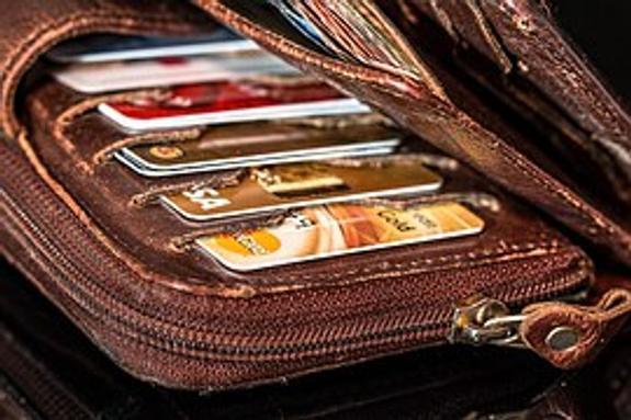 У россиян с банковскими карточками за рубежом могут возникнуть проблемы