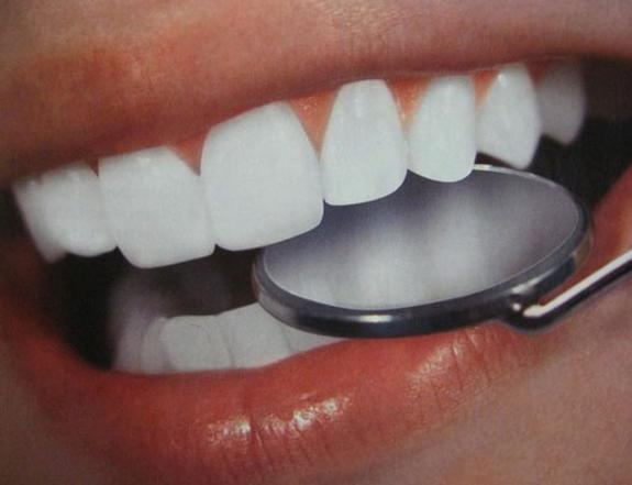 Уникальный состав для зубного ополаскивателя создали ученые из России