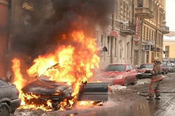 Под Новосибирском два ребенка заживо сгорели в автомобиле