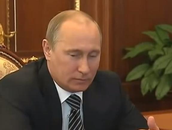 Путин предложил ввести присягу для вступающих в гражданство России