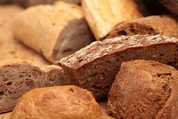 Какой хлеб более полезен - белый или черный