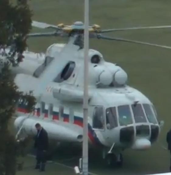 В Ставропольском крае вертолет после столкновения с проводами рухнул на землю