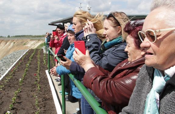 Михеевский ГОК посетили с экскурсией 300 коркинцев