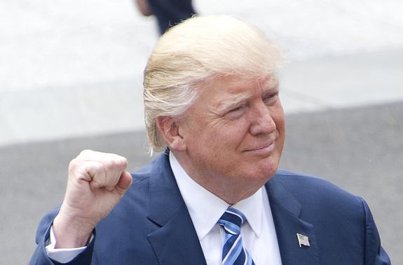Президент США подписал закон о введении санкций против России