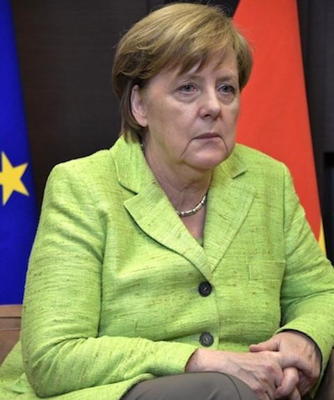 Меркель должна остаться нанемецком престоле