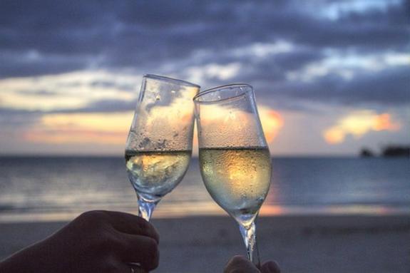 Умеренное употребление алкоголя блокирует старческое слабоумие