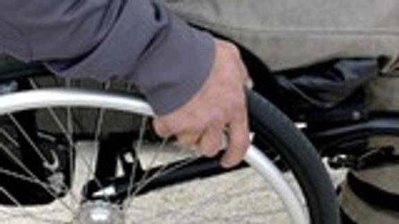 Суд смягчил приговор осужденному за разбой инвалиду-колясочнику
