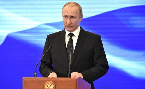 Путин призвал «Газпром» отказаться от строительства «дворцов» для сотрудников