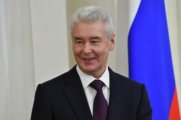 Собянин отчитался перед Медведевым о росте доходов москвичей