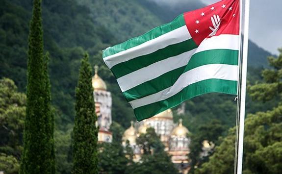 Семьям погибших россиянок правительство Абхазии выплатит по 500 тысяч рублей