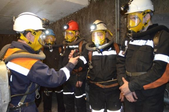 """Более 130 горнорабочих выведены на поверхность рудника """"Мир"""""""