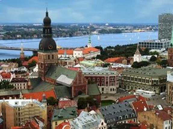 Латвия с осени запрещает аккредитацию российских турфирм