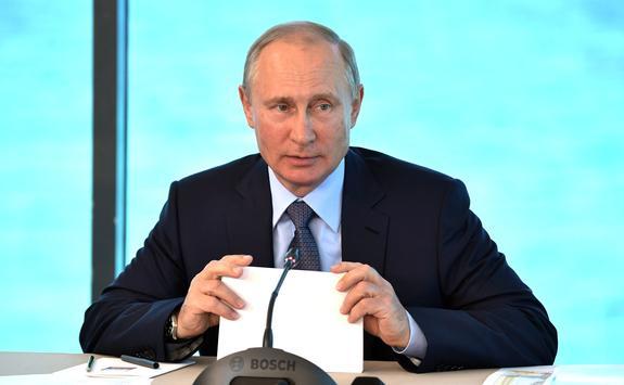 Путин предостерег чиновников от занятия «бюрократическим футболом»